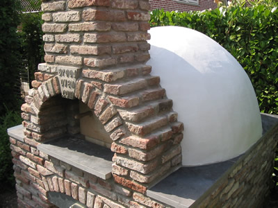 The breadoven (a.k.a. brickoven, pizzaoven, woodfired oven, masonry oven)
